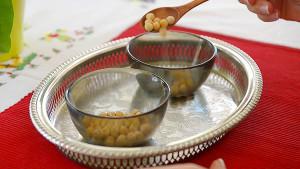 Simple Montessori Activities: spooning