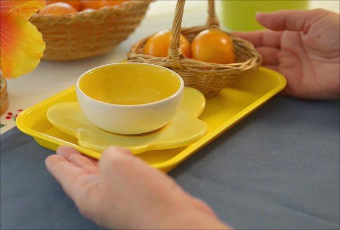 voila montessori food preparation for children - peeling clementines