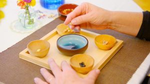 Toddlers Sort and Match Grains to Refine Their Language and Senses
